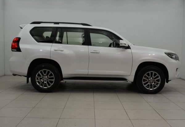 2020 Toyota Land-Cruiser-Prado Prestige 2.8L Diesel 4WD A/T For Sale. All the elements for an effective 4WD are here. Shipping Worldwide.